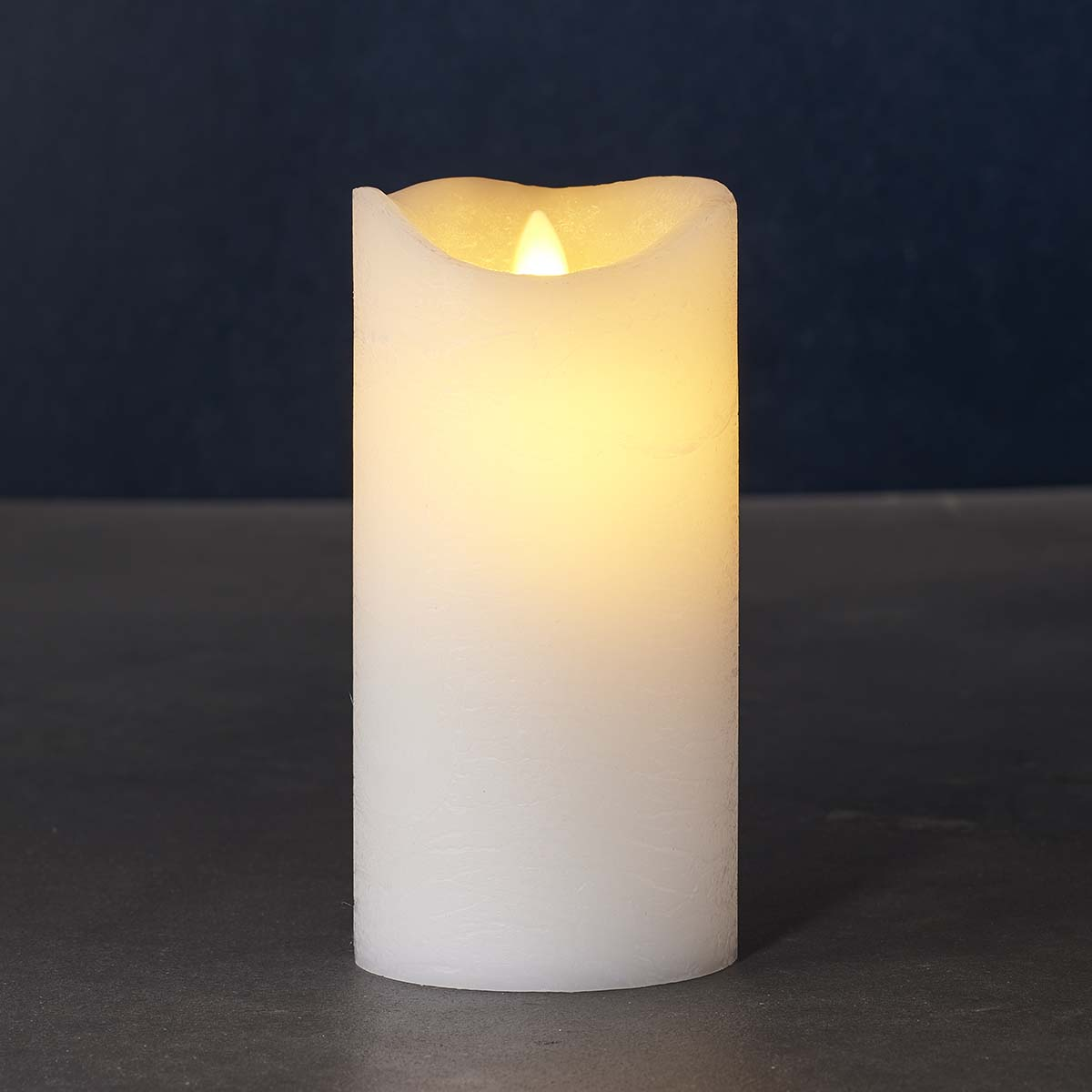 Bougie LED blanche vraie cire flamme vacillante H 15 * D 7,5 cm