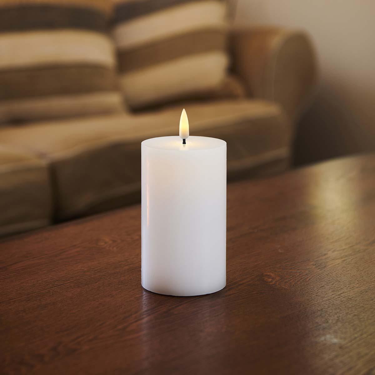 Bougie LED haut plat flamme vacillante H 12.5 * D 7,5 cm